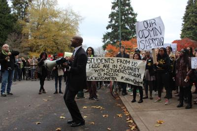 Hundreds of students, faculty echo Missouri's demands for racial equality