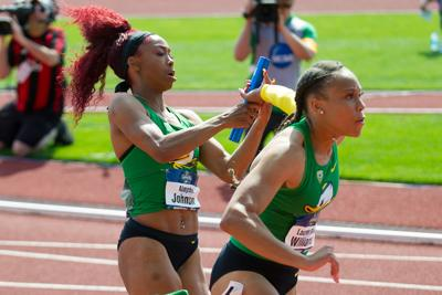 Oregon women's track and field advances six runners to NCAA finals on Saturday