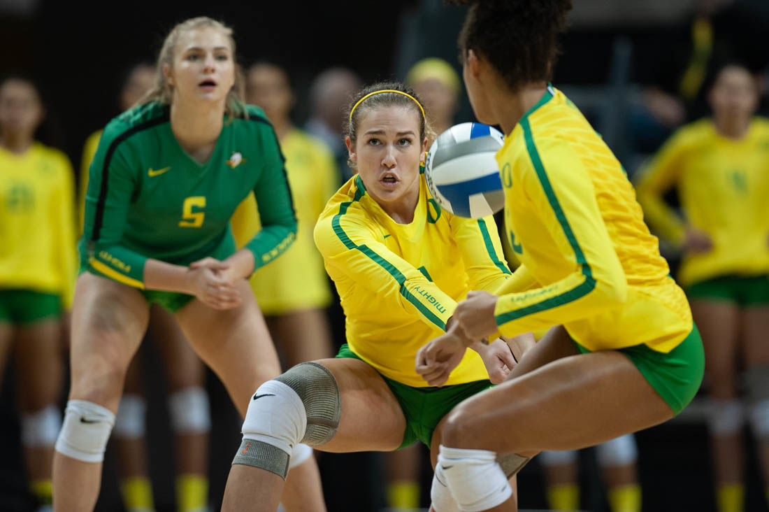 Oregon Volleyball Ends Regular Season With Four Set Win At Oregon State Sports Dailyemerald Com