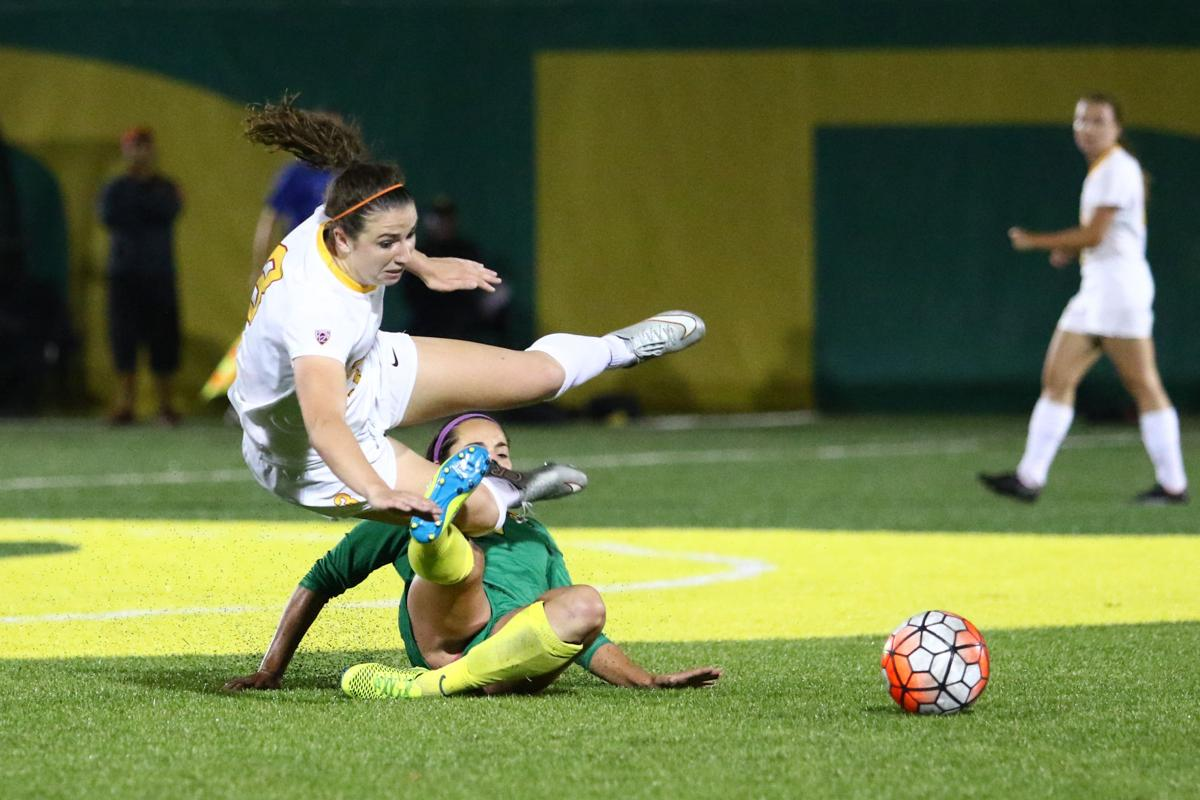 Strong play from freshman Everett not enough as Ducks fall 4-0