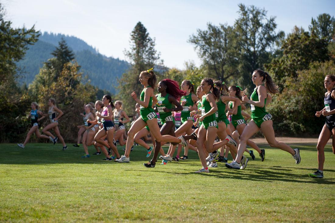 Oregon women sweep field at Dellinger Invitational, men finish second