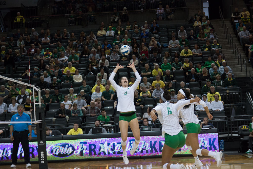 Maggie Scott sets the bar high for Oregon volleyball