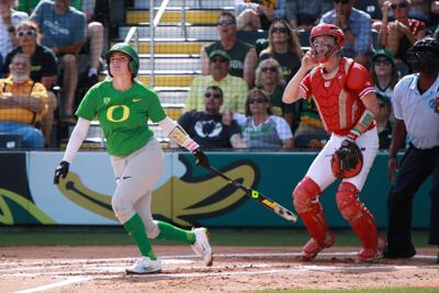 Ducks advance to Super Regionals with dominant 9-0 win over Wisconsin