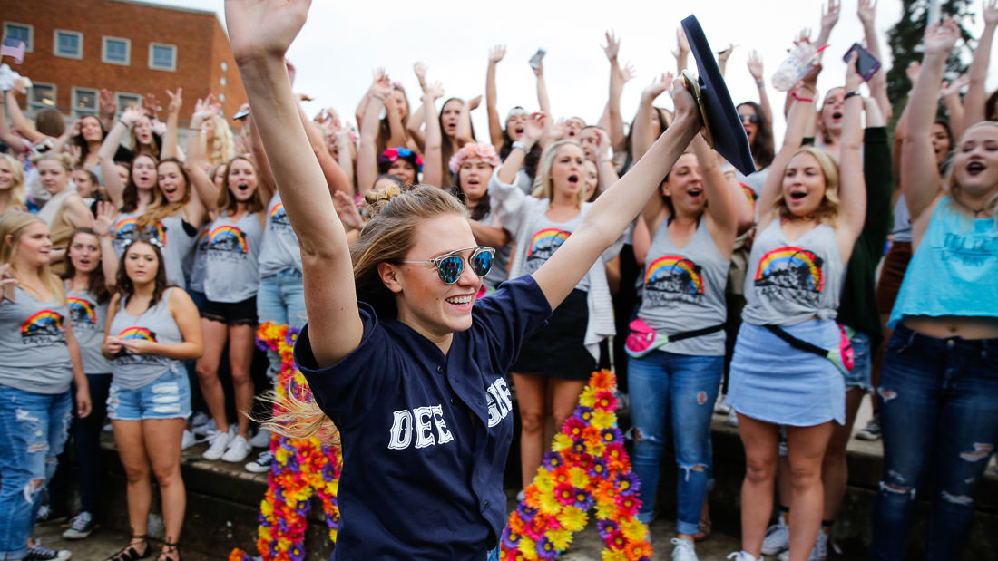 Photos: UO Sorority Bid Day 2016