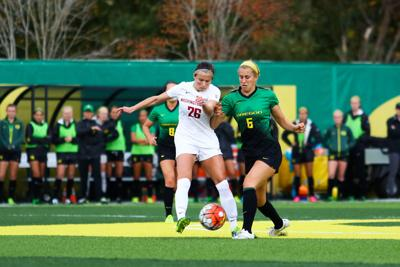 Oregon women's soccer loses 2-1 against WSU after giving up a 30-second counter goal