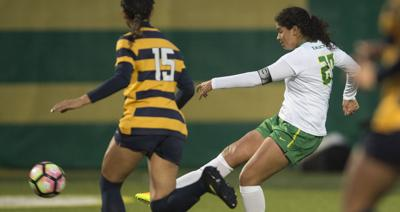 Ducks soccer scores first win in Pac-12 play against Arizona