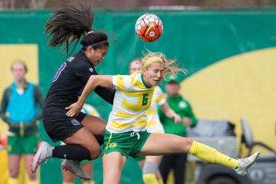 Women's soccer bounces back after first loss of the season, beats Cal State Fullerton