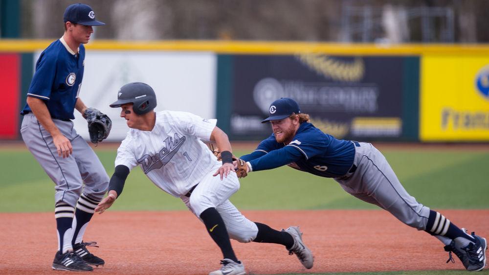 Photos: Oregon Baseball beats UC Davis 4-1