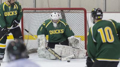 Finding his skates: Six-year hockey hiatus doesn't stop Oregon hockey goalie