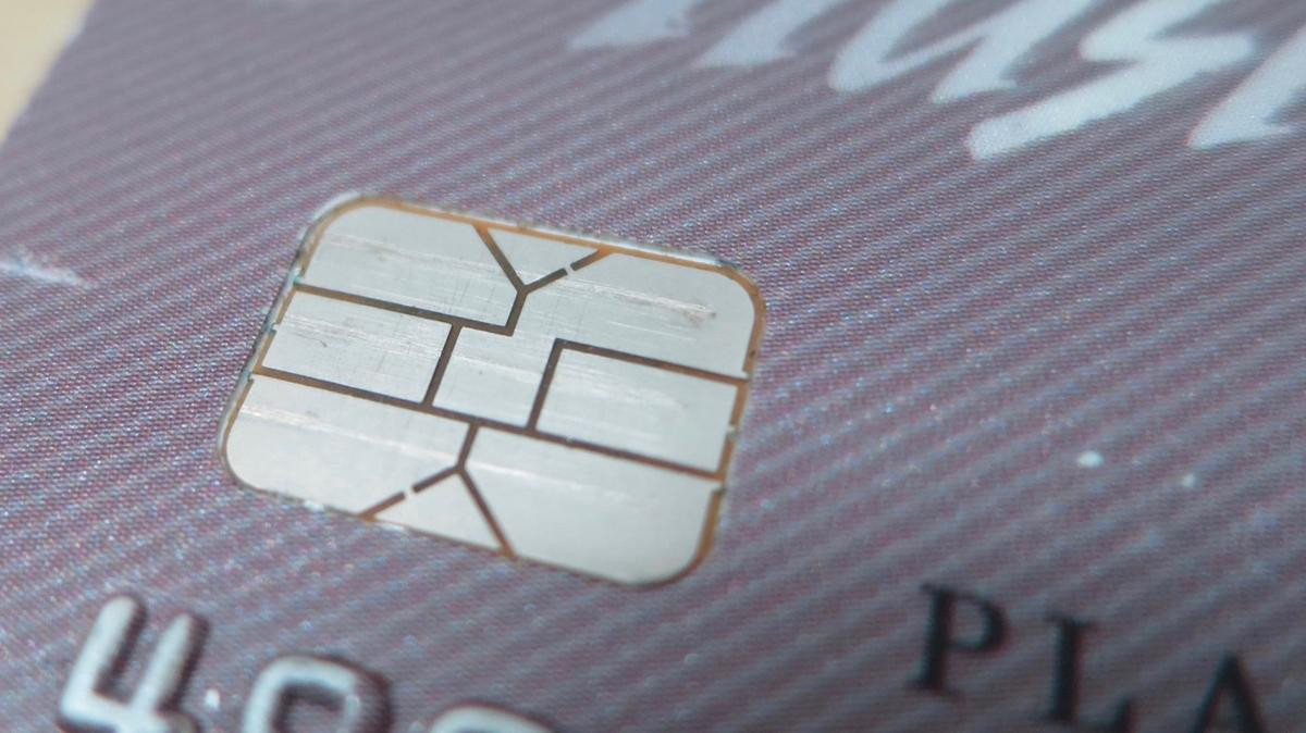 Chip card readers cause rough transition | News
