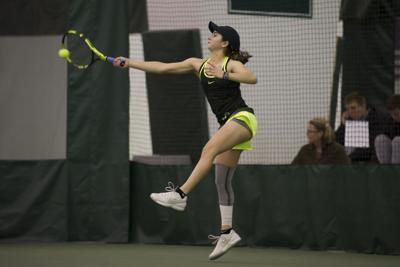 Oregon women's tennis loses third straight as Ducks fall at No. 15 UCLA