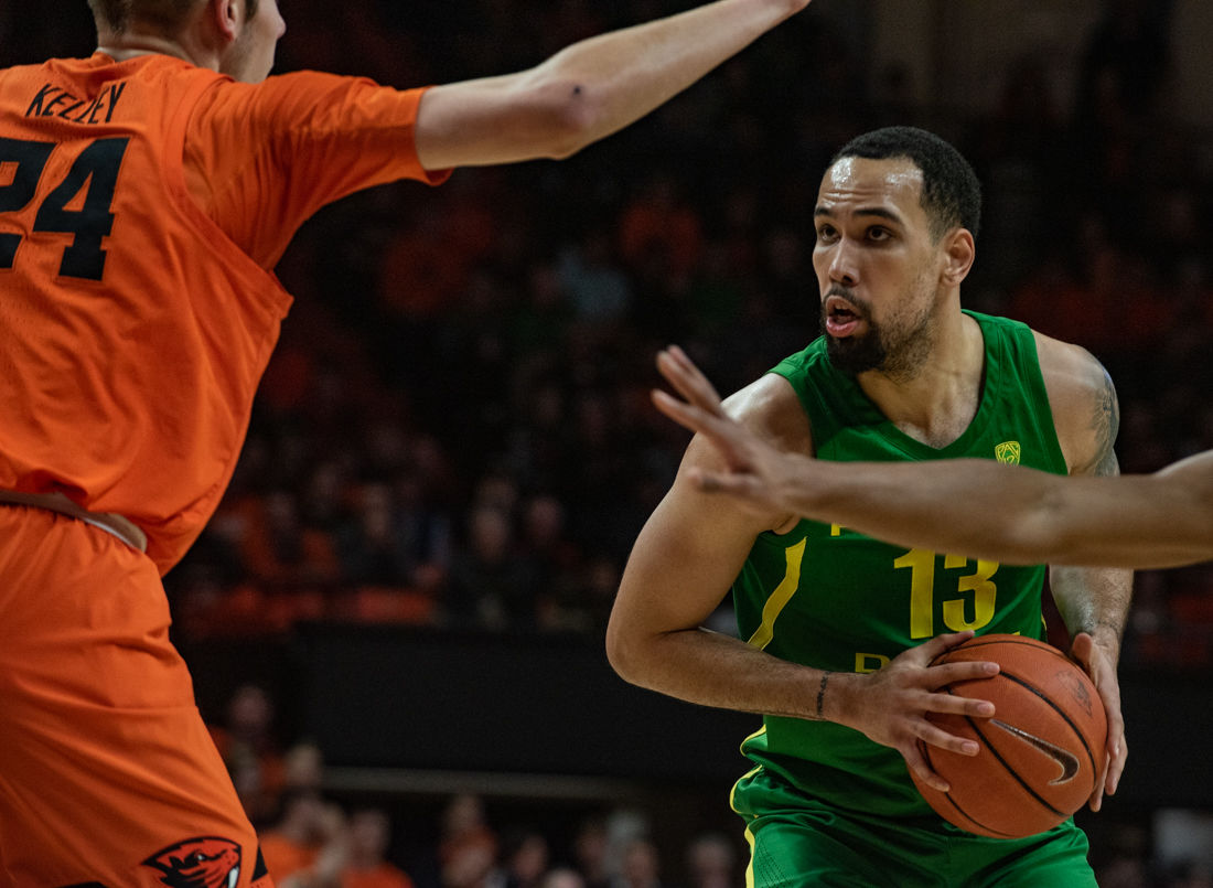 Photos: Ducks Mens Basketball falls short to Oregon State 72-57 as Beavers pull away in second ...