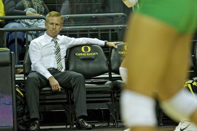 No. 20 Oregon volleyball swept by No. 8 Washington