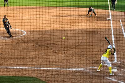2021.03.13.EMG.IME.Softball.UO.vs.OSU-9.jpg