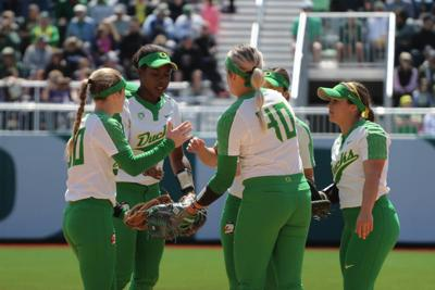 Shannon Rhodes' pinch-hit home run helps No. 4 Oregon complete series sweep of Stanford