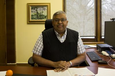 Provost Banavar hosts town hall on May 22, frequently cites lack of resources for UO's problems