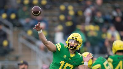 Halftime Rapid Reaction: Oregon leads Arizona 28-21