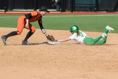 Ducks drop game two against Beavers, capping 16-game and six-year win streak