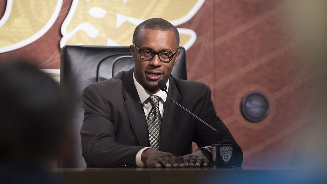 Why Willie Taggart is not talking to The Oregonian's lead Ducks beat reporter