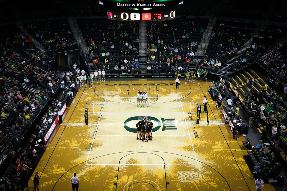 Photos: Oregon Ducks Prevail in Volleyball Civil War
