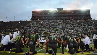 Breaking: Oregon football officially announces Willie Taggart as its head coach