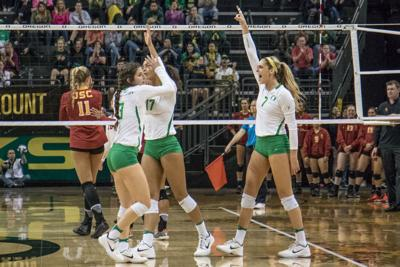 Oregon Volleyball sweeps Cal Poly in Nike Classic opener