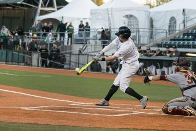 Ducks lose to Sun Devils in crazy ending, go for series win on Sunday