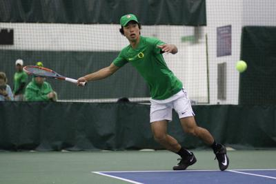 Oregon men's tennis drops fourth straight match, fall 4-3 to No. 13 USC