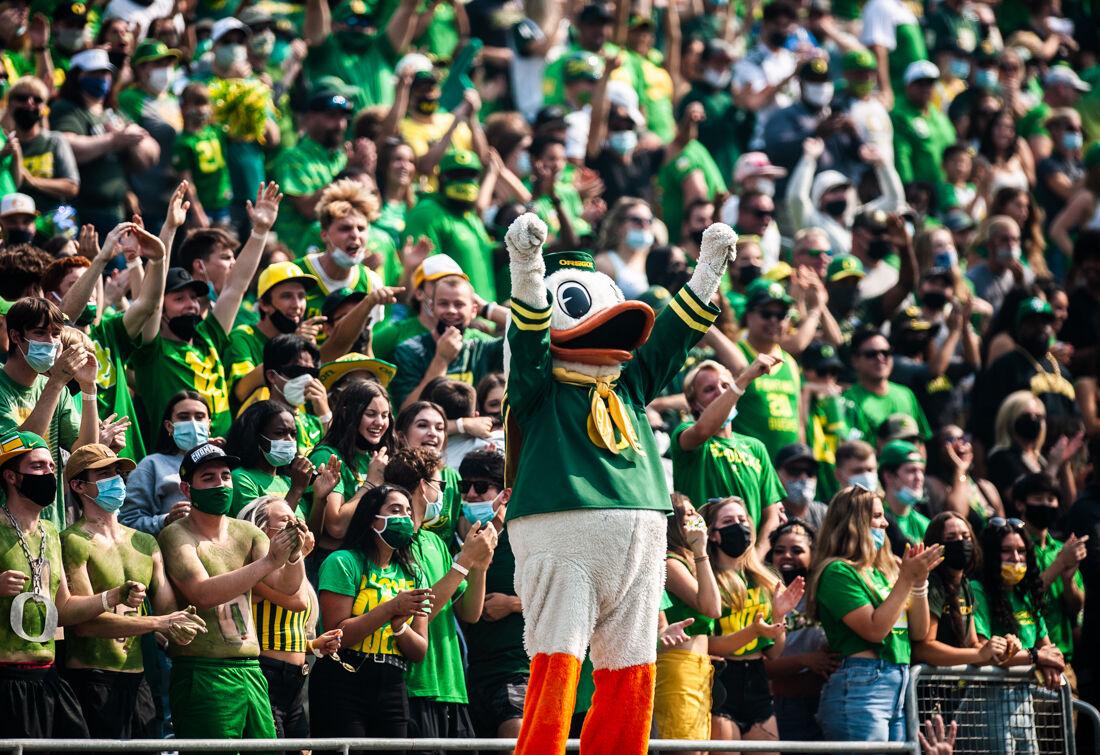 2021.09.4.EMG.IME.Football.UO.vs.FresnoState-3.jpg