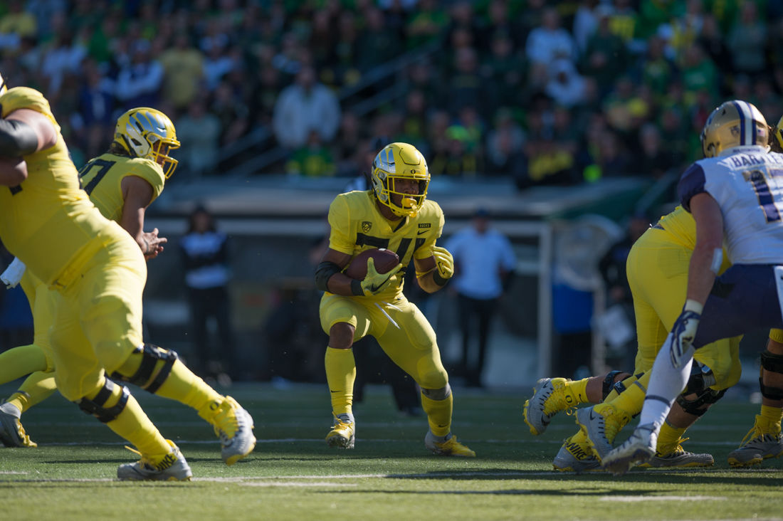 Photos: Oregon Ducks Football ties University of Washington 17-17 at the half