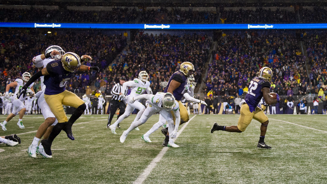 Photos: The Oregon Ducks get blown out by the No. 12 Washington Huskies 38-3