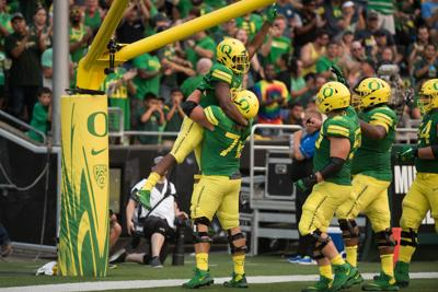 AP Poll: Ducks ranked No. 24, UCLA and Stanford drop out of top 25