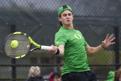 Oregon loses third straight in 4-1 loss to No. 4 UCLA