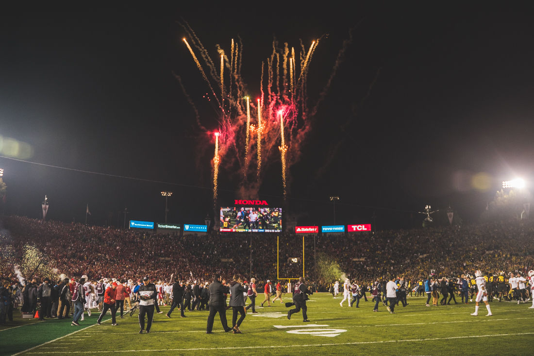 Photos: Oregon Ducks defeat Wisconsin Badgers 28-27 in the ...