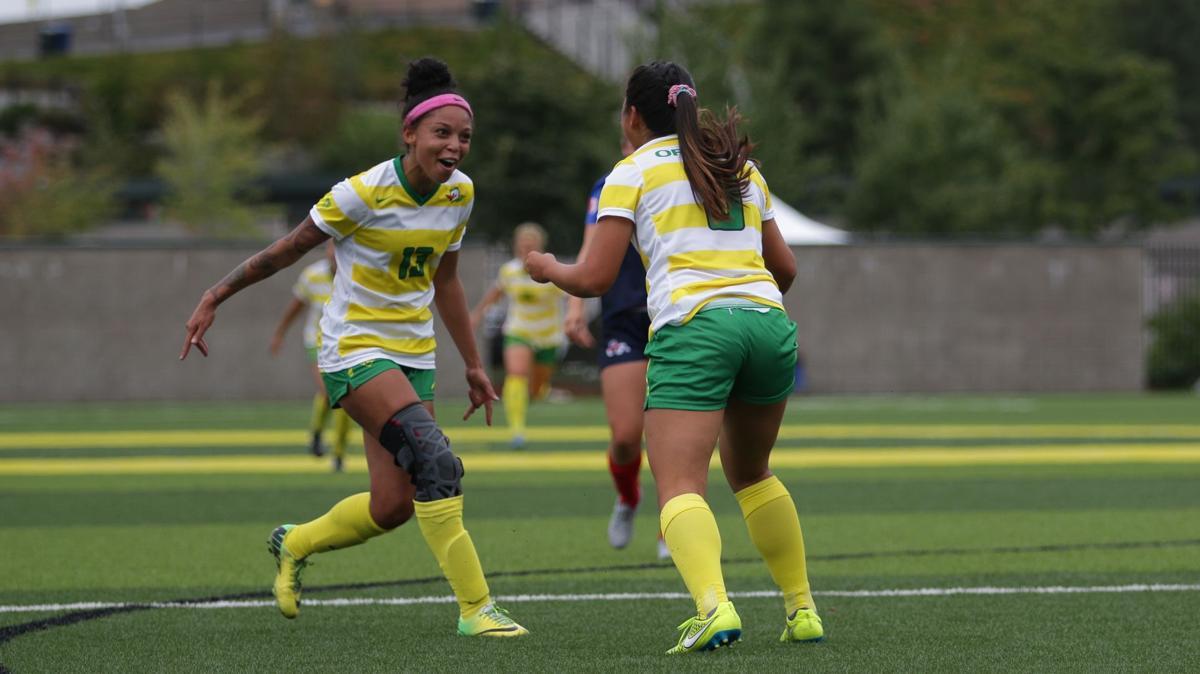 Photos: Oregon soccer earns first win of the season