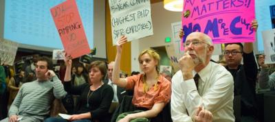 Students and ASUO executives debate four year tuition plan