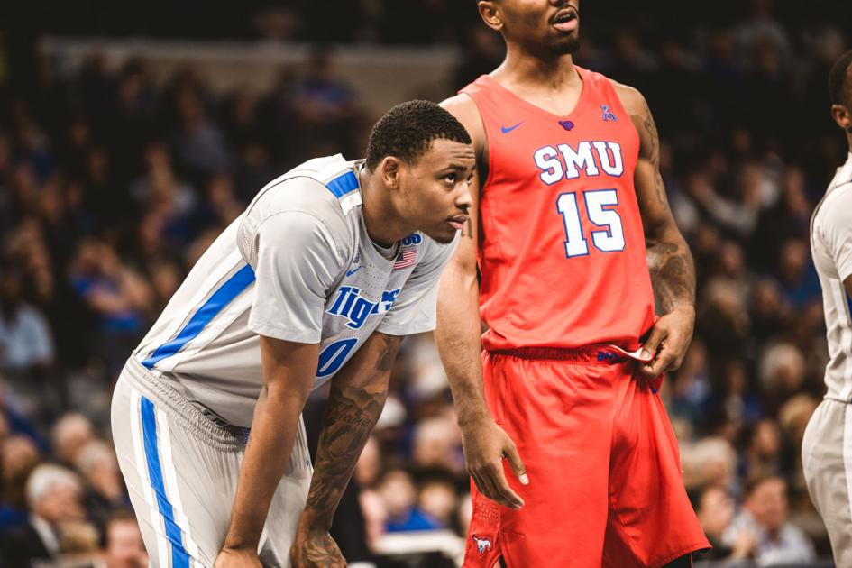 Memphis blows 12-point lead in final seven minutes versus SMU; 74-70