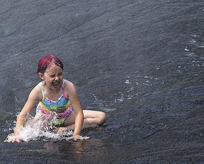 First Madison splash zone draws hundreds of children