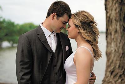 Kesteloot wedding: Love conquers all