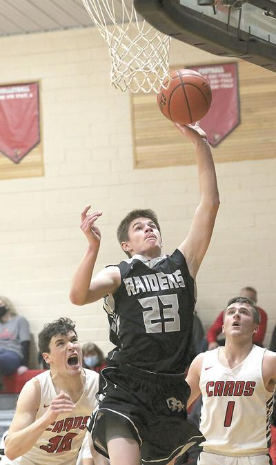 Cardinals use fast start to defeat Raiders 71-57