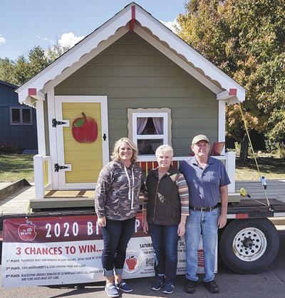 Skinners win playhouse in MCSEF fund-raiser