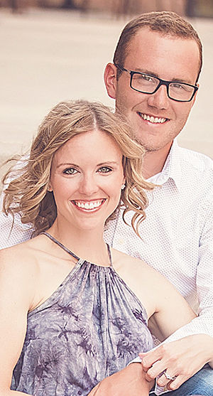 Knips, Stearns engaged