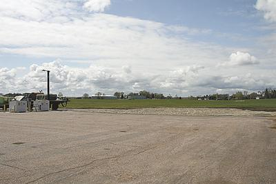 City applies for airport grants
