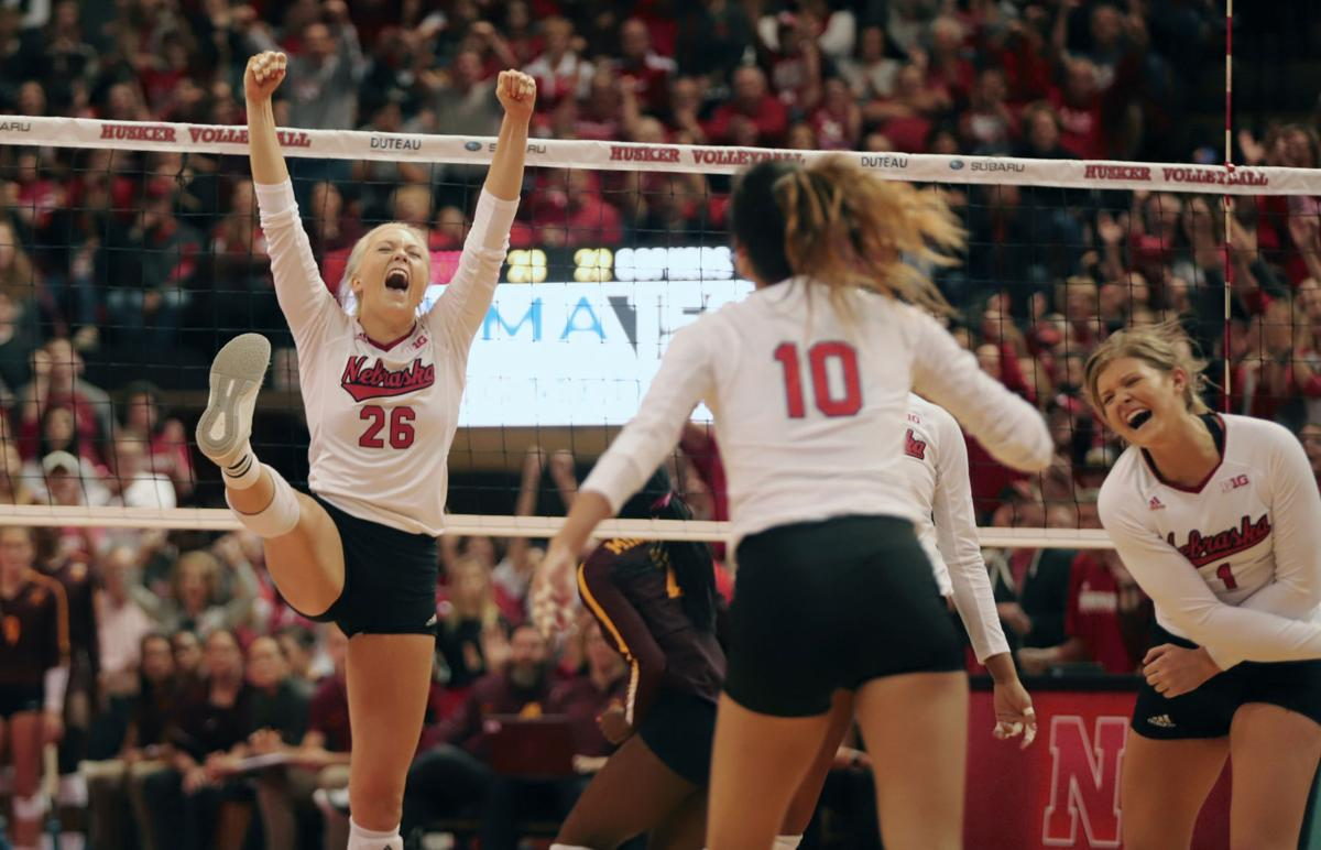 Nebraska Volleyball Loses To Minnesota 3 1 Snaps 14 Game Winning Streak Sports Dailynebraskan Com