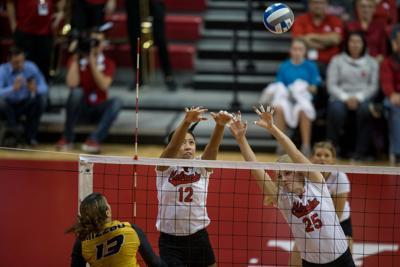 Volleyball vs. Missouri Photo No. 3