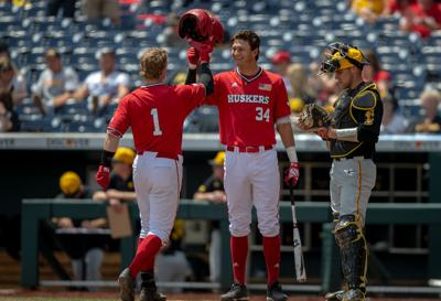 Huskers dominate Hawkeyes 11-1, advance in Big Ten Tournament