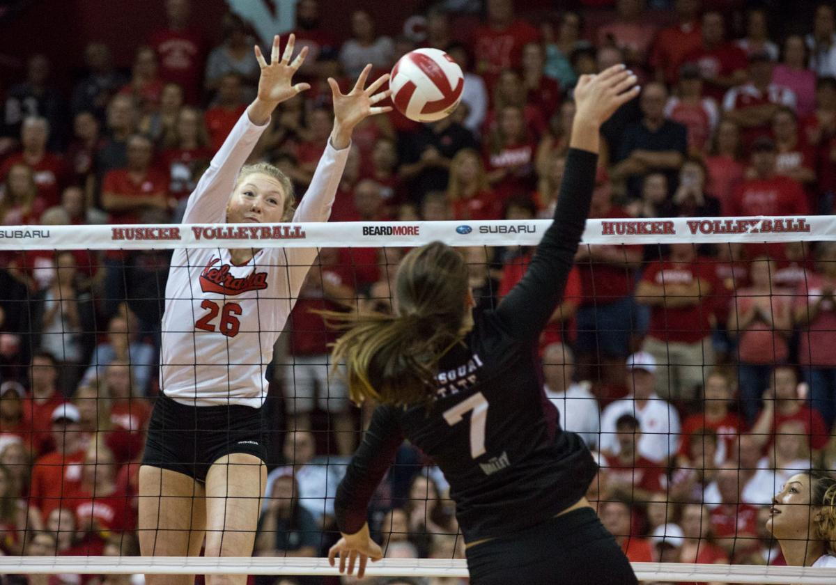 Nebraska Volleyball Sweeps Missouri State For Ninth Consecutive Win Sports Dailynebraskan Com