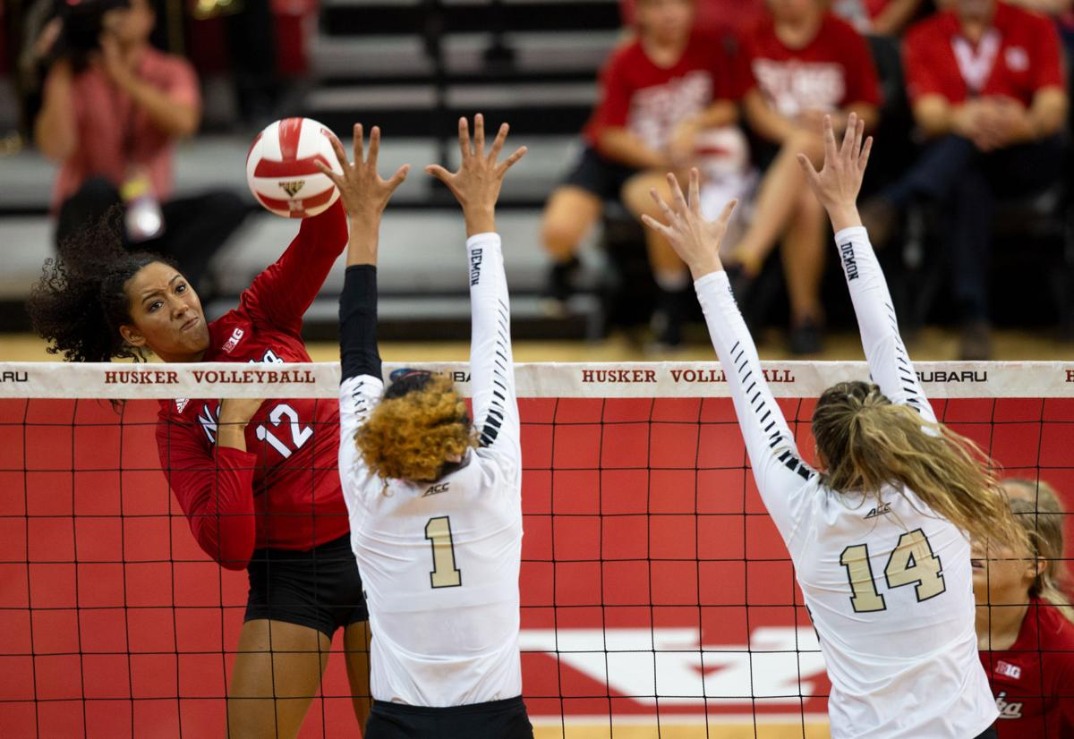 Husker Volleyball Defeats Ohio Wake Forest Sports Dailynebraskan Com