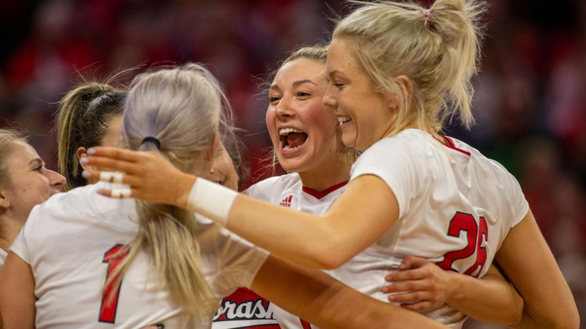 Red team prevails in intrasquad volleyball scrimmage