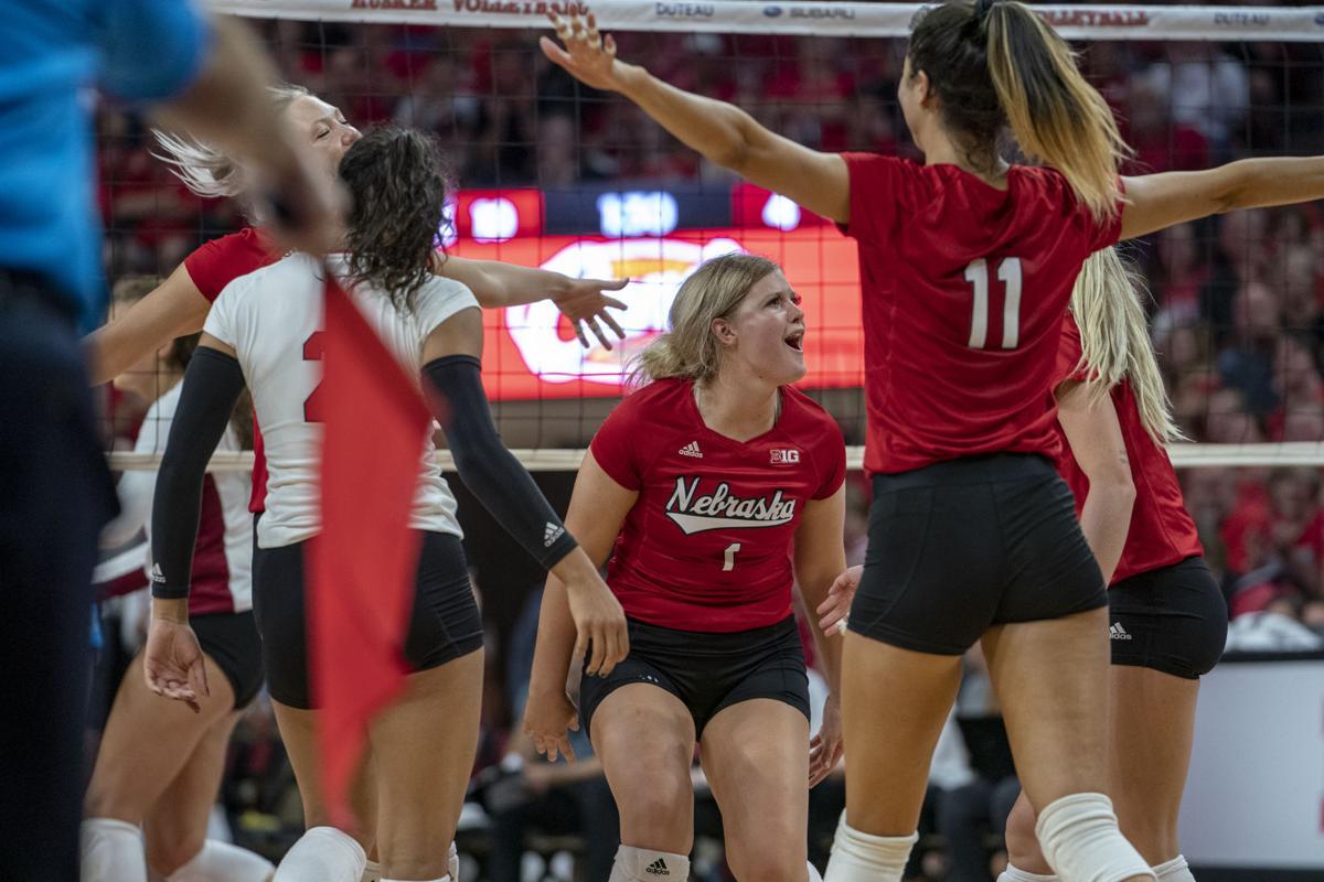 No 1 Nebraska Ready For National Title Rematch Against No 2 Stanford Sports Dailynebraskan Com
